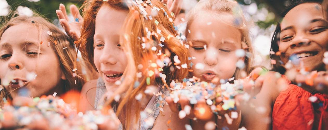 how-to-entertain-children-at-a-wedding__hero